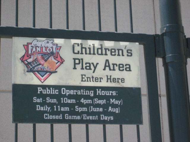 ChildrensPlayAreaSignAT&TPark (640x480)