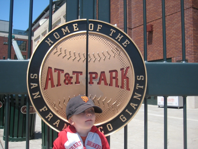 CuteKid at AT&T Park (640x480)